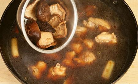 改良版小鸡炖蘑菇的做法