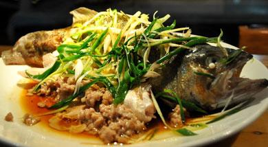帮洲海蚌教您--肉饼蒸鲈鱼的做法