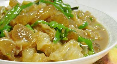 青椒炒牛筋怎么做好吃因此牛蹄筋是人类补充胶原纤维的重要途径.