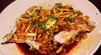 榨菜蒸鱼头