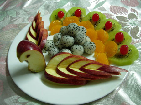孔雀开屏水果拼盘的做法
