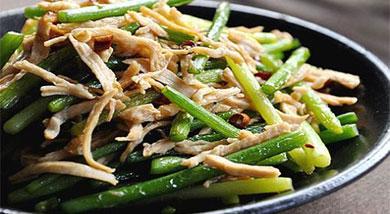 蚝油蒜苔炒鸡丝