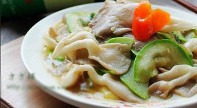 西葫芦炒平菇